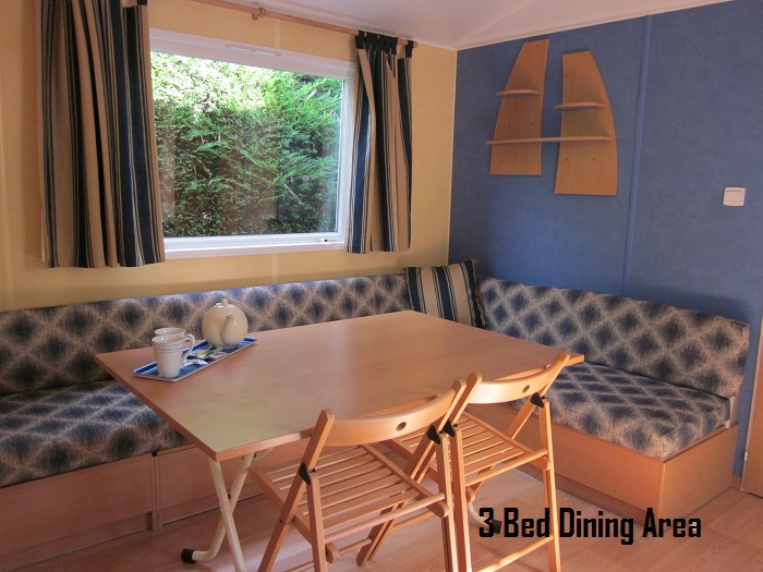 Thomas James Vendee Holidays 3  Bed Mobile Home Dinning Area.JPG