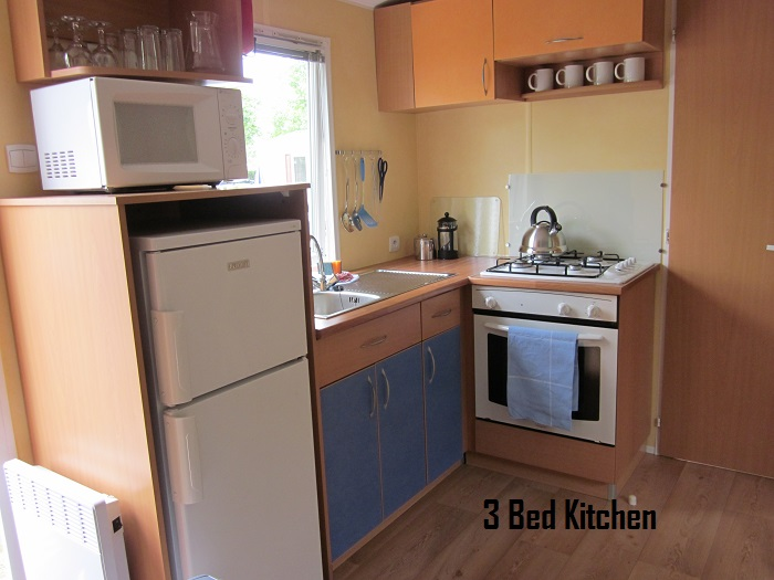 Thomas James Vendee Holidays Mobile Home Kitchen.JPG