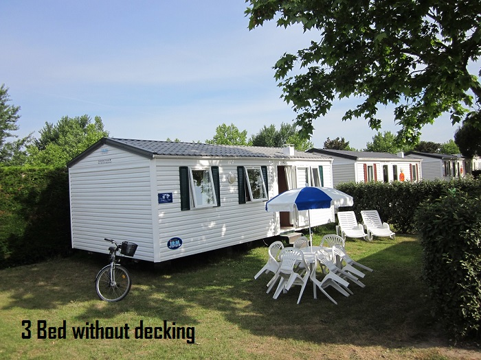 Thomas James Vendee Holidays Three Bedroomed Mobile Home.JPG