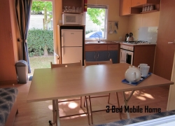 Thomas James Vendee Holidays Mobile Home 3 Bed Lounge and Kitchen.JPG