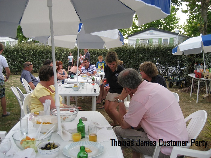 Thomas-James-Vendee-Holidays-Customer-Party.jpg