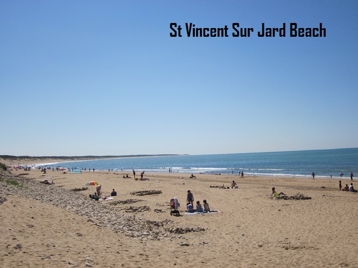 Thomas-James-Vendee-Holidays-Beach-at-St-Vincent-sur-Jard.jpg