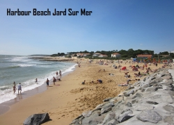 Thomas-James-Vendee-Holidays-Jard-harbour-beach.jpg